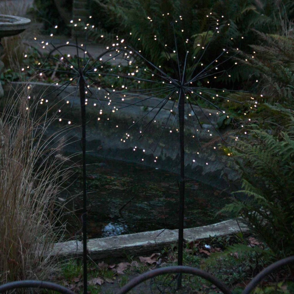 Hurn & Hurn Discoveries Solar Dandelion LED Outdoor Stake Light Small