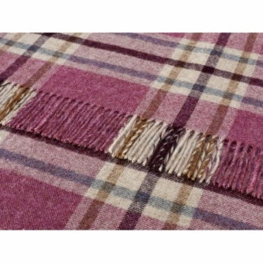 Shetland Wool Arncliffe Berry Throw Blanket